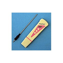 POCKET-SIZED DIGITAL THERMOMETER